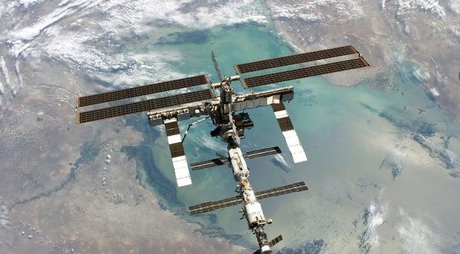 Pseudocast #192 – Ebola, John Forbes Nash, nulová gravitácia