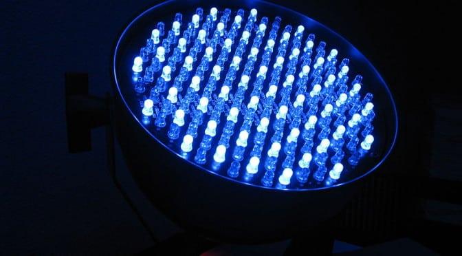 Pseudocast #189 – Krvné skupiny, Tesla baterka, modré svetlo