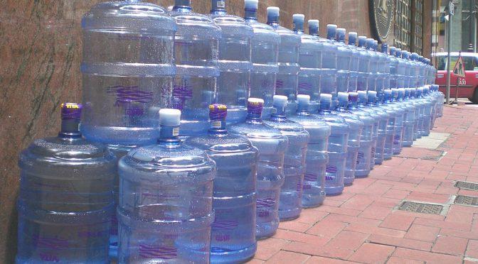 Pseudocast #280 – Fake news, nové antibiotiká, destilovaná voda